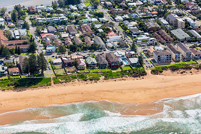 Ocean St, Narrabeen Beach
