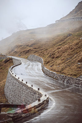 Austria, High Alpine Road between Grossglockner peak and Heiligenblut in Alps