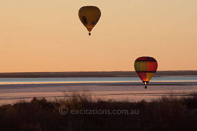 Balloons fly over Lake Eyre