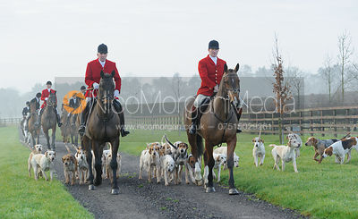 arriving at the meet - The Cottesmore Hunt at Burrough House 17/12