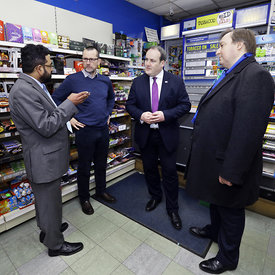 Goldenacre MiniMarket, Inverleith Row, Edinburgh.1.2.18.Paul Wheelhouse, Minister for Business and Iain Gulland (glasses), Ch...