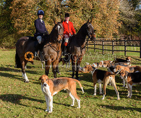 Lady Violet Manners, John Holliday at the meet. The Belvoir Hunt at the Kennels 13/11
