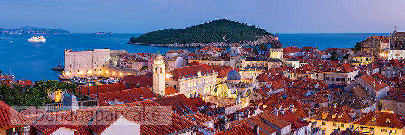 The Old Town at night, Dubrovnik - BP4700