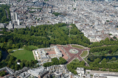 wide angle aerial photograph of Buckingham Palace  London England UK showing the surrounding area including  Buckingham Palac...