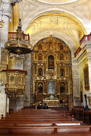 Altar screen and pulpit of La Compañia de Jesus church , Arequipa , Peru