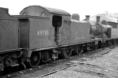 PHOTOS OF EX-LNER A7 CLASS 4-6-2T STEAM LOCOS