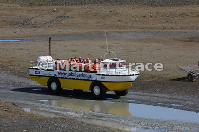 Amphibious vehicle full of tourists, Jokulsarlon glacier lagoon, Austurland (Eastern Region, East Iceland), Iceland