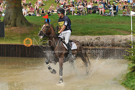 NZB MOUSE and Mark Todd, Bramham Horse Trials, 2010