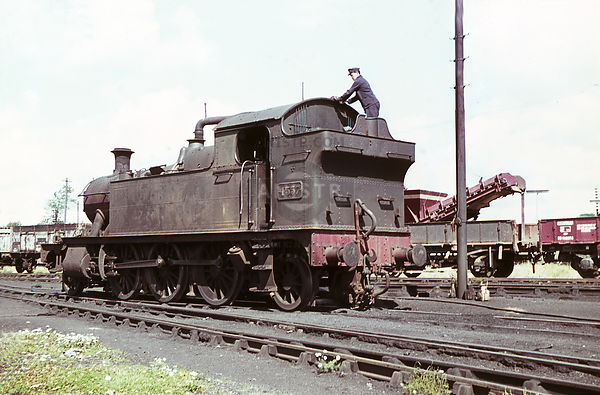 PHOTOS OF WR 4500 / 4575 CLASS 2-6-2T STEAM LOCOS