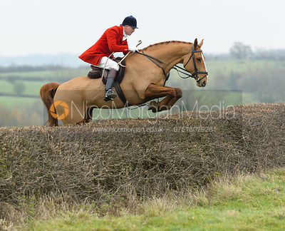 The Cottesmore Hunt at Manor Farm 21/11