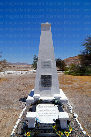 Monument on site of Battle of Dolores / San Francisco, Region I, Chile