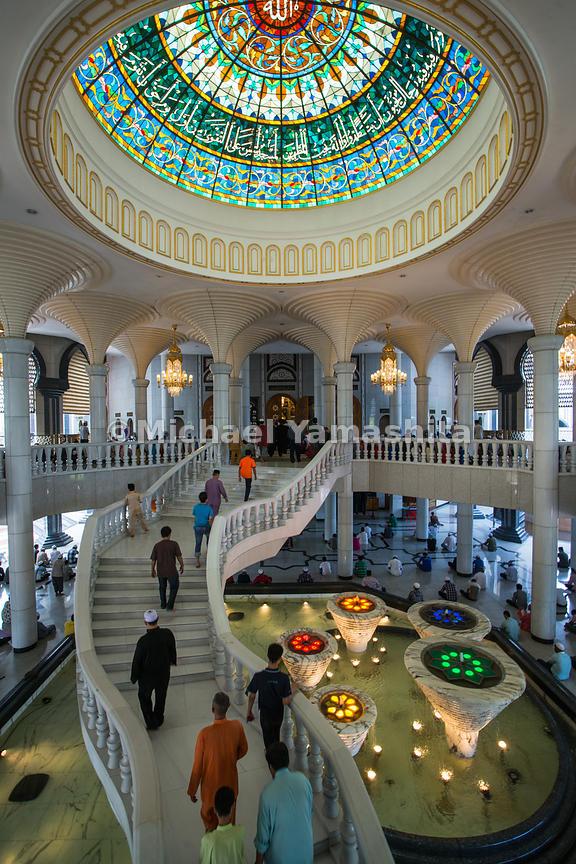 MichaelYamashita | The Jame'asr Hassanil Bolkiah Mosque was ...