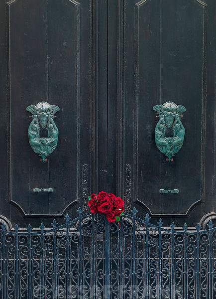 Bunch of roses on door of a house in Mdina, Malta