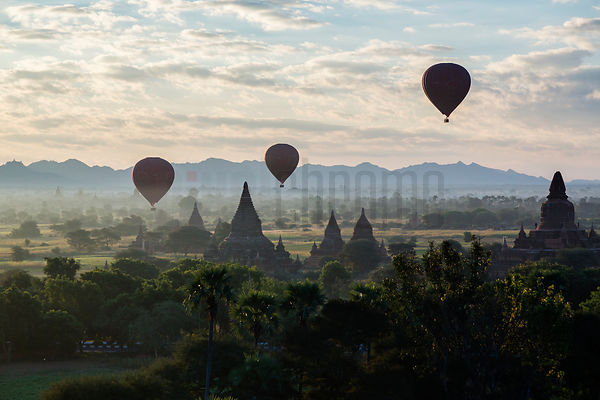 Hot Air Ballons over the Pagoda Field in Bagan
