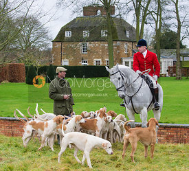 Andrew Osborne MFH and the Cottesmore hounds at Wymondham Manor