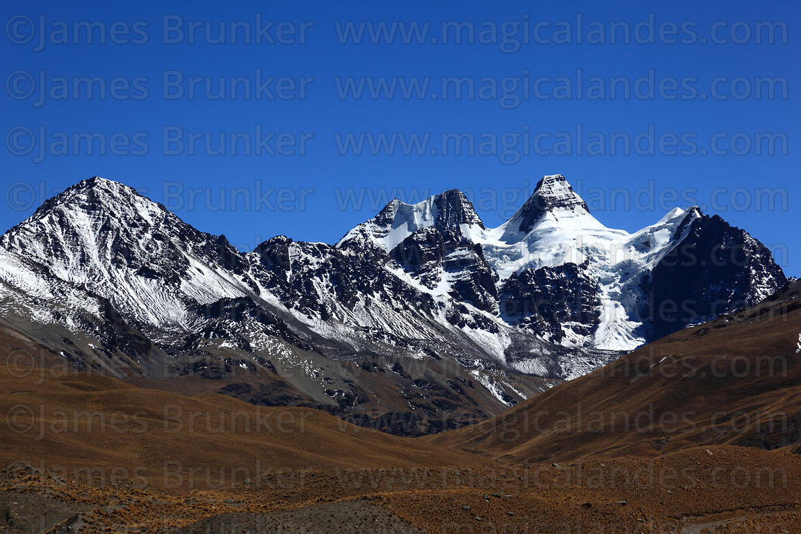 Magical Andes Photography | Glacial U shaped valley and Mt