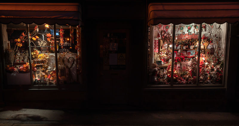 Derbyshire Crafts Center Christmas window