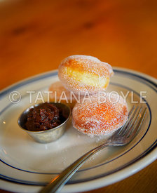Doughnuts with quince jam