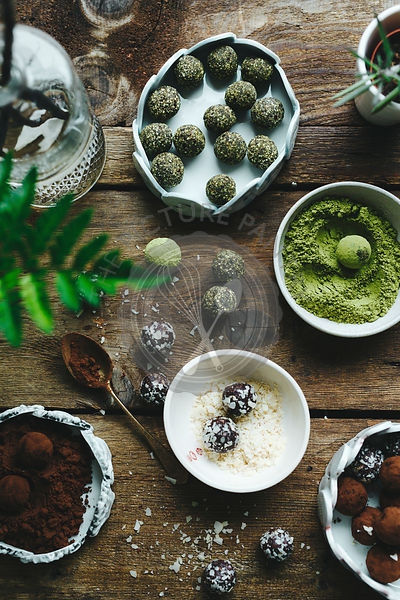 Green matcha energy balls.