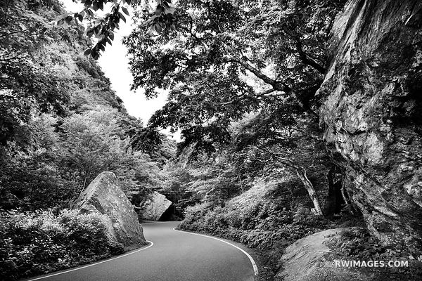 SMUGGLERS NOTCH WINDING ROAD GREEN MOUNTAINS VERMONT BLACK AND WHITE