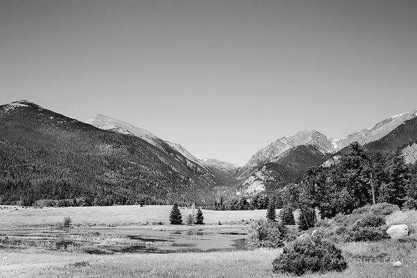 HORSESHOE PARK ROCKY MOUNTAIN NATIONAL PARK COLORADO BLACK AND WHITE