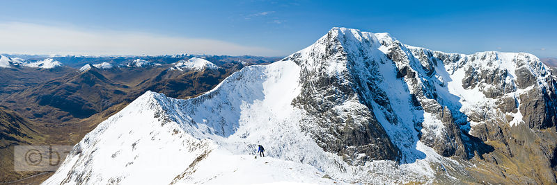 BP2929 (Panoramic view of the Carn Mor Dearg arête)