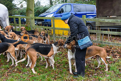 Wynnstay hounds At the meet. The visit of the Wynnstay Hounds to the Cottesmore 27/11