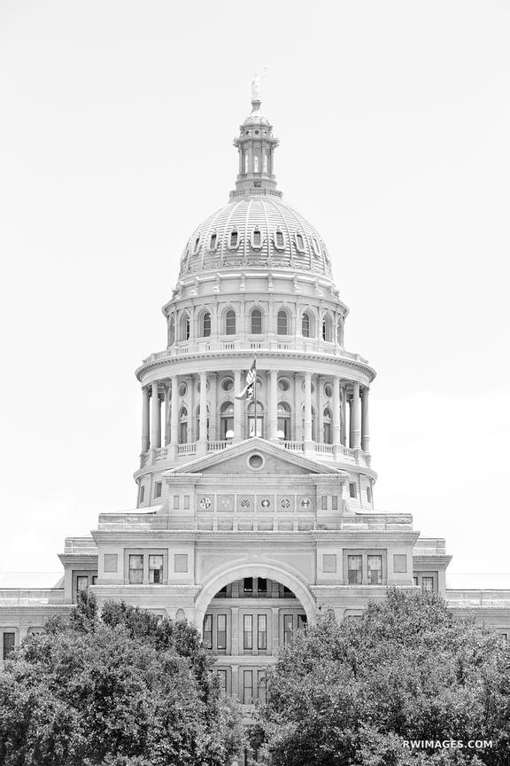 TEXAS STATE CAPITOL BLACK AND WHITE