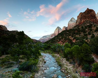 Tramonto sul fiume Virgin, Zion Canyon National Park, Utah, USA