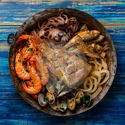 Seafood assorted platter - Prawn Shrimp, Vongole Clams, Squid rings, Octopus mini, roast Mackerel, roasted Perch