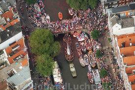 Amsterdam - Luchtfoto Canal Parade 02