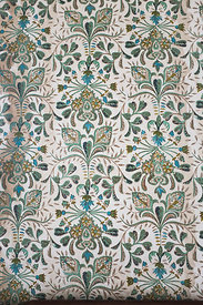 Papier peint à fleurs dans la maison Devon, construite en 1881, Kingston, Jamaïque / Flowery wallpaper in the Devon House, bu...