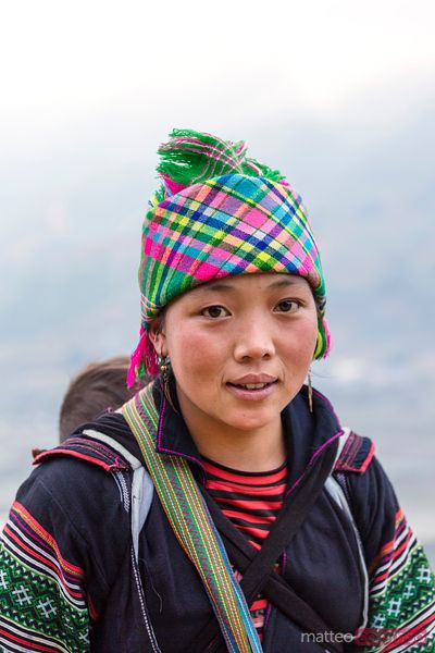 Vietnam, Sa pa. Portrait of girl of black Hmong ethnicity