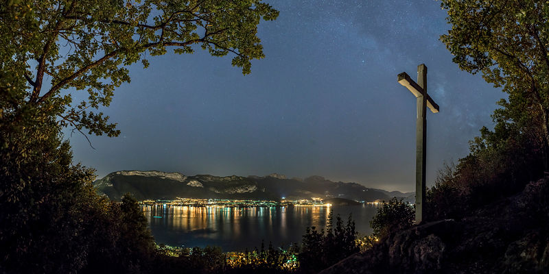 Milky Way over the Chuguet Cross - Sevrier, Annecy Lake
