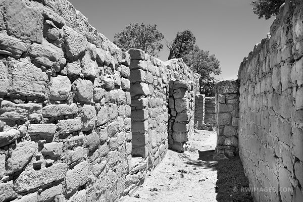SUN TEMPLE RUINS MESA VERDE NATIONAL PARK COLORADO BLACK AND WHITE