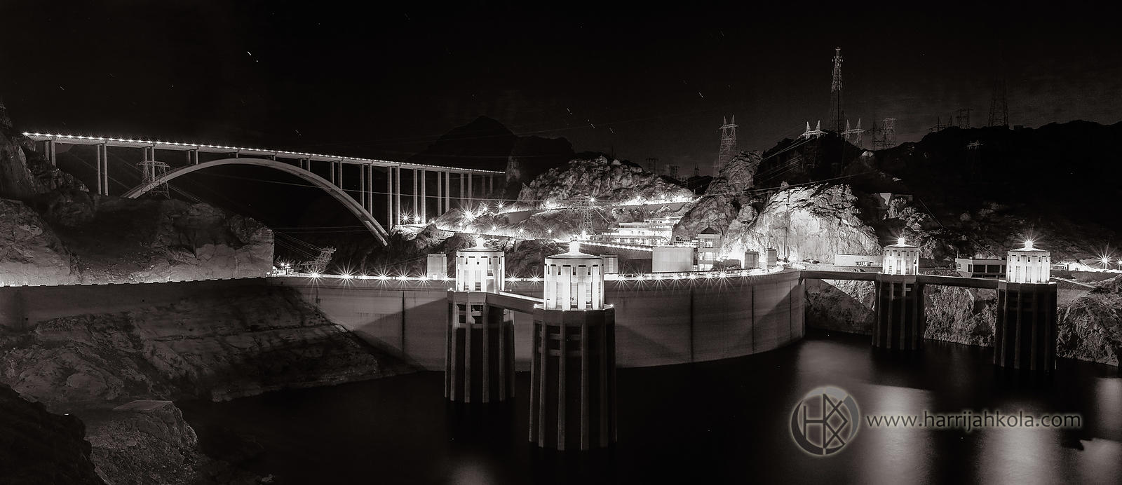 USA - Arizona (Hoover Dam at Night)