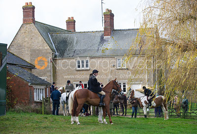 Cottesmore Hunt at Tumblerow Farm 22/11