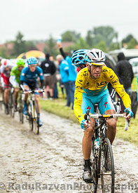 Vincenzo Nibali - Yellow Jersey on a Cobbled Road