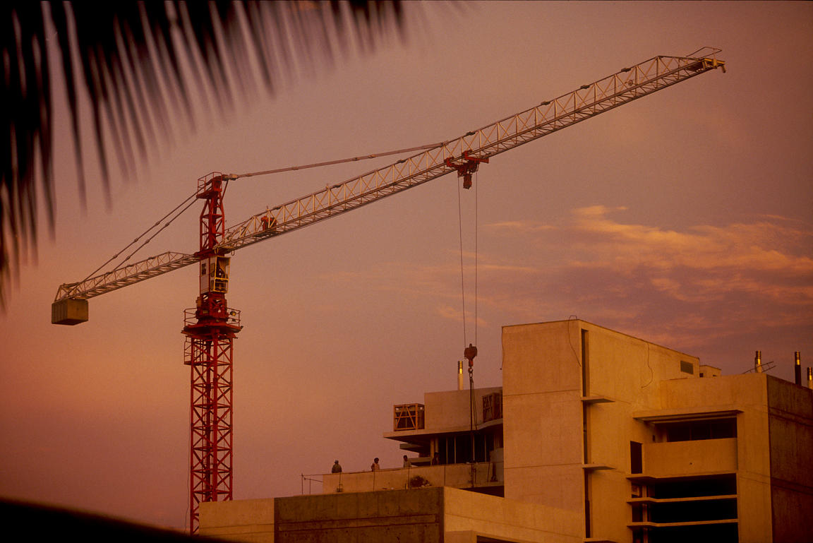 Angola - Luanda - A crane and new buildings