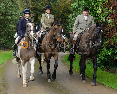 Lizzie Lomas, Alice Robb, Michael Stokes arriving at the meet - The Cottesmore Hunt at Little Dalby 7/2