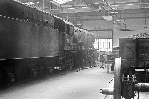 Steam loco Austerity 90395 York