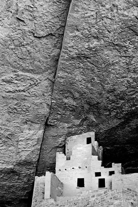 RUINS OF CLIFF PALACE DWELLINGS MESA VERDE NATIONAL PARK COLORADO VERTICAL BLACK AND WHITE