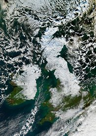 Heavy snow and Arctic weather in UK and Ireland