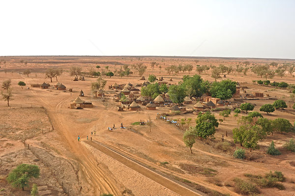 Typical Nigerien village settlement seen from the air. Sahelo-Sudanese Biome, W National Park (UNESCO, IUCN & RAMSAR), Niger....