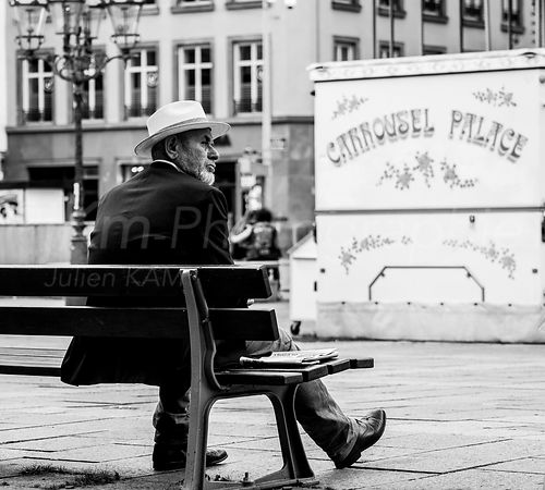 Street Photo - Carrousel Palace