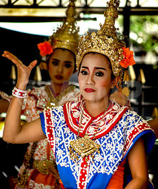 _W_P9670-Thailandese-dance-traditional_1