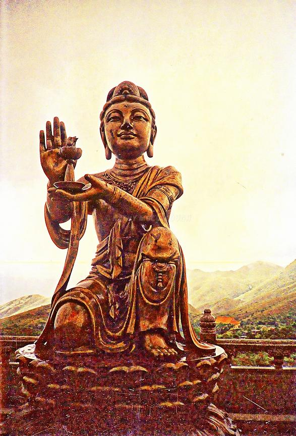 HKG_statue_at_the_biggest_Buddha_Hyper_real
