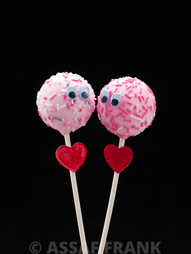Lovely popcake couple