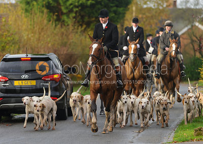 The Meynell and South Staffs Hunt at Brook Cottage, Boylestone 8/11