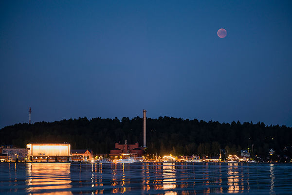Total Lunar eclipse above the harbour of Lahti on July 27 2018.